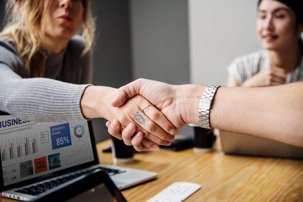Как оформить отношения с контрагентом: договор, оферта, устная договоренность