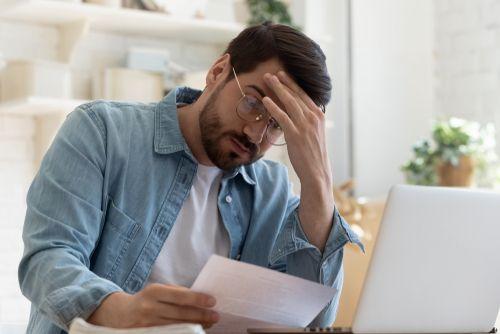 Разбор ситуации: надо ли применять ККТ, если предприниматель не рассчитывается с физлицами