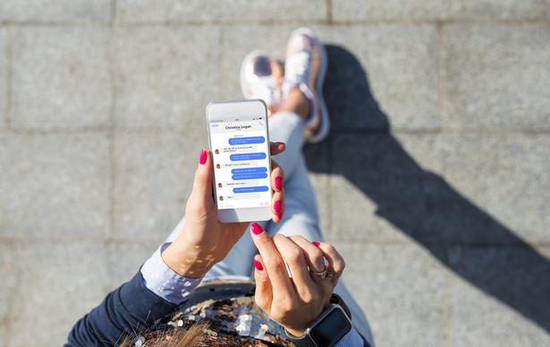 Зачем вам СМС-рассылка и как ее настроить